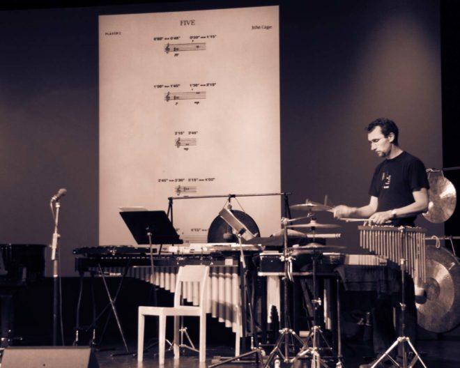 15 aug 2008: Gageego! förbereder ett framförande av Five av John Cage