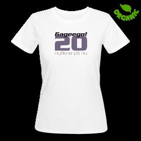 Foto på vit ekologisk T-shirt i dam modell, med trycket Gageego! 20 - nyfiken på nu